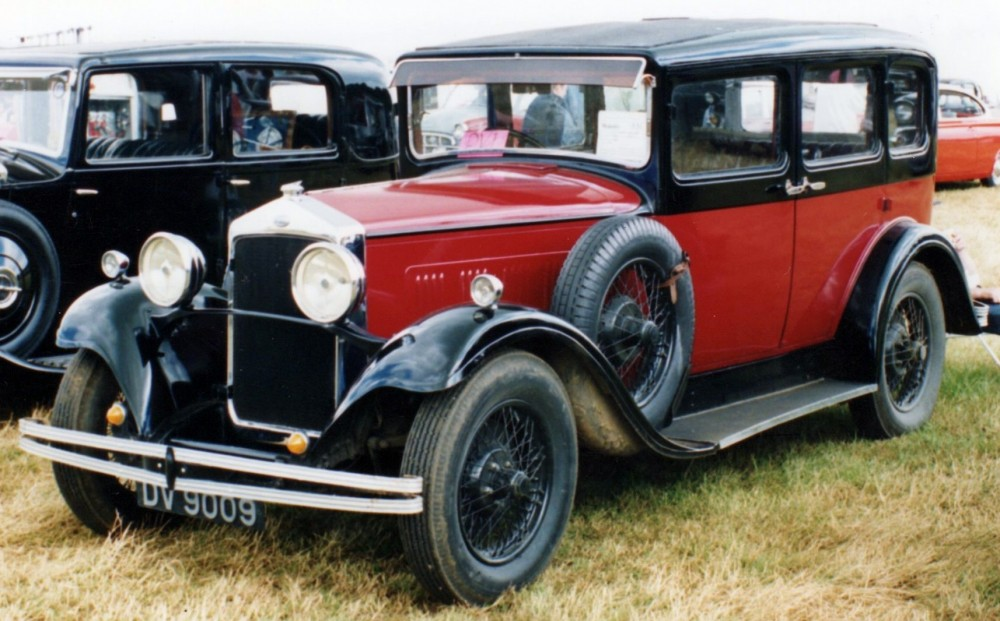 1930 red & black Wolseley 21-60 County